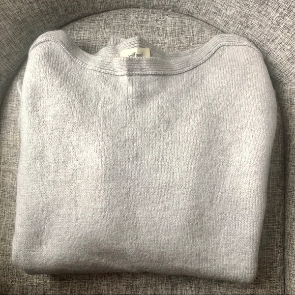 Wilfred Aritzia 100% Wool Sweater